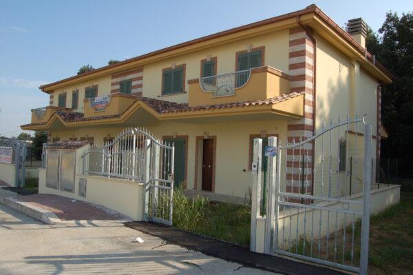 ANZIO -  NUOVA COSTRUZIONE VILLA CLAUDIA appartamento indipendente in villino 3 LOCALI da €.115.000