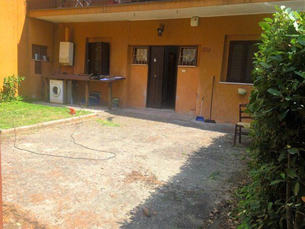 ARICCIA -  Residenziale ingresso indipendente piano terra con giardino 2 LOCALI.